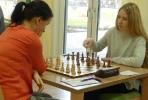 Meike Ratay am Spitzenbrett gegen Merseburgs Katja Hartung